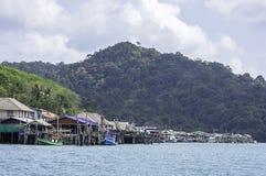 在夏天海停放的渔船在酸值Kood,桐艾府在泰国 图库摄影