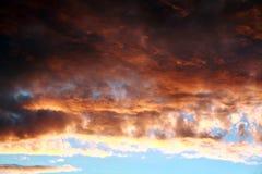 在夏天的日落天空 库存照片