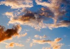 在夏天风暴以后的天空 免版税库存照片