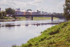 在夏天vologda,俄罗斯的老镇桥梁 图库摄影