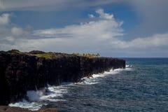 在夏威夷的陡峭的海岸 库存图片