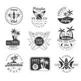 在夏威夷黑白标志设计模板的暑假与文本和工具剪影 免版税库存照片