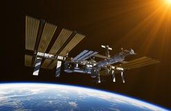 在外层空间的国际空间站 皇族释放例证