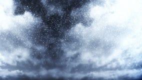 在多云天空的冷的蓝色降雪 股票视频