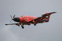 在多云天空背景的航空器Pilatus PC-12/47E RA-01505俄国出租飞机德克斯特  免版税库存图片