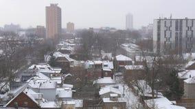 在多伦多一个住宅区的大雪  股票视频