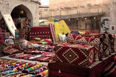在多哈souq的纺织品 免版税库存照片