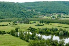 在多尔多涅省河的看法从贝纳克 免版税库存图片