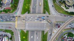 在多层状高速公路交叉点的高交通在梳邦再也,吉隆坡 免版税图库摄影