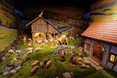 在多山设置的诞生场面创造性的介绍 图库摄影