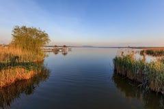 在多瑙河三角洲的日出 免版税库存照片