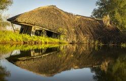 在多瑙河三角洲的被放弃的小屋从罗马尼亚 免版税库存图片