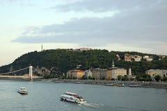 在多瑙河布达佩斯的Gellert小山 免版税库存照片