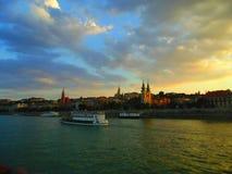 在多瑙河的小船巡航 免版税库存照片