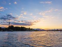 在多瑙河的日落 免版税库存图片