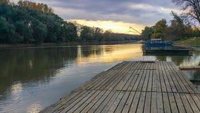 在多瑙河的渔船 免版税库存照片