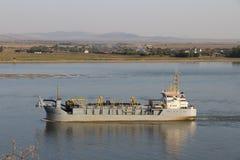 在多瑙河的船, Galati 免版税库存图片