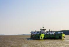 在多瑙河的运输 免版税库存图片