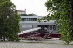 在多瑙河的水位高在布拉索夫,斯洛伐克 免版税库存照片