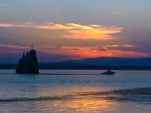 在多瑙河,摩尔多瓦Noua,罗马尼亚的日落 免版税库存照片