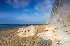 在多西特侏罗纪海岸的美丽的海滩  免版税图库摄影