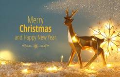 在多雪的木桌上的金发光的驯鹿与圣诞节诗歌选点燃 库存图片
