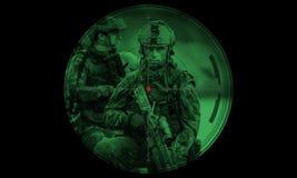 在夜使命/操作人质抢救期间,别动队员合作 视图 库存图片