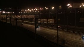 在夜录影的城市高速公路 股票视频