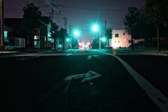 在夜街道的蓝色光在伊势崎市城市日本 免版税库存图片
