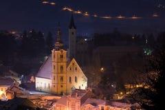 在夜魔术的冬天童话 库存图片