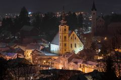 在夜魔术的冬天童话 免版税库存照片