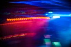 在夜总会的模糊的抽象五颜六色的色的背景 库存照片