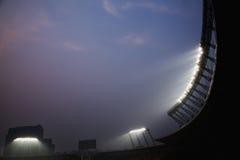 在夜间的体育场泛光灯,北京,中国 库存图片