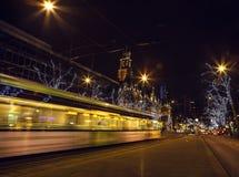 在夜间的著名城市视域2015年12月26日在鹿特丹-荷兰 免版税库存照片