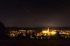 在夜stpeter的猎户星座星 免版税库存照片