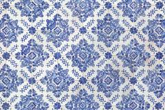 在大厦的传统葡萄牙azulejo瓦片在波尔图, P 库存图片