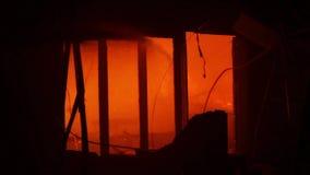 在大厦的喷水的熄灭的火 股票录像