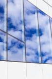 在大厦的现代玻璃窗 库存照片