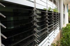 在大厦的窗口设计 免版税库存图片