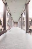 在大厦的走廊 免版税库存图片