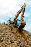 在大堆的挖掘机土 库存照片