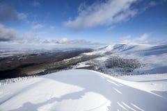 在大山的深刻的冬天 免版税库存图片