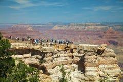 在大峡谷国家公园的拥挤观点 免版税库存照片