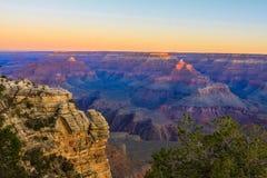 在大峡谷的平静的日出 库存照片