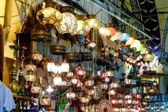 在大市场的灯在Instanbul 免版税库存照片