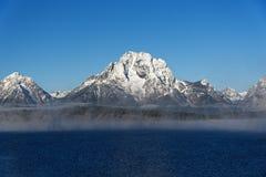 在大提顿峰范围的薄雾 库存图片