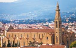 在大教堂二上三塔Croce看法在佛罗伦萨 库存照片