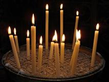 在大教堂二圣塔玛丽亚的蜡烛在Trastevere 免版税库存照片