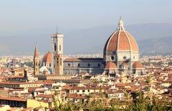 在大教堂二圣塔玛丽亚,佛罗伦萨的视图 免版税库存图片