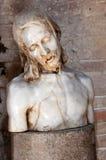 在大教堂二阿奎莱亚里面的耶稣雕象 库存图片